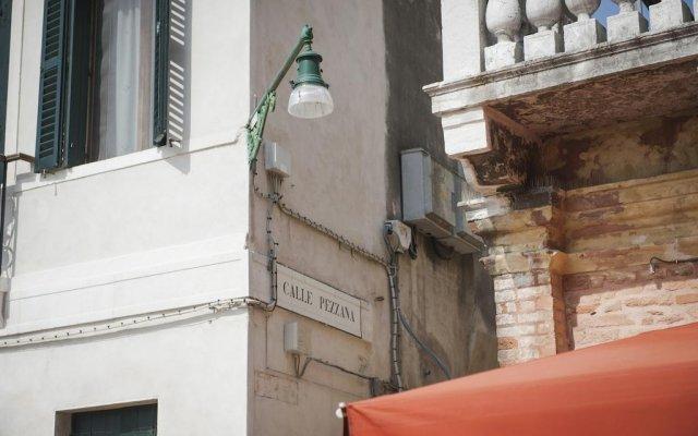 Отель Residenza Ca' Dorin Италия, Венеция - отзывы, цены и фото номеров - забронировать отель Residenza Ca' Dorin онлайн вид на фасад