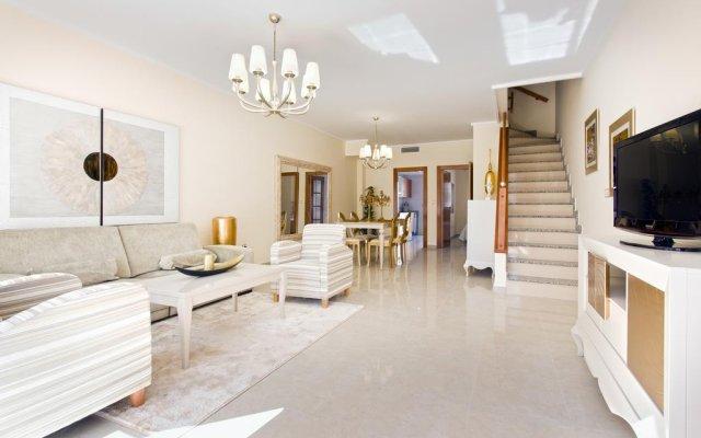 Отель Oasis duplex Ciudad Quesada Рохалес комната для гостей