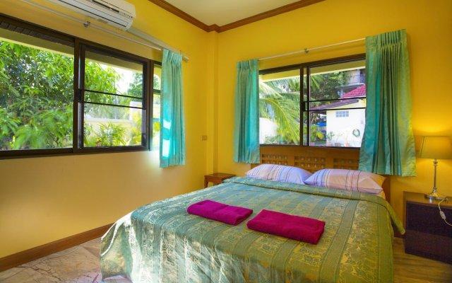 Отель Yellow Villa with Pool in Rawai Пхукет комната для гостей