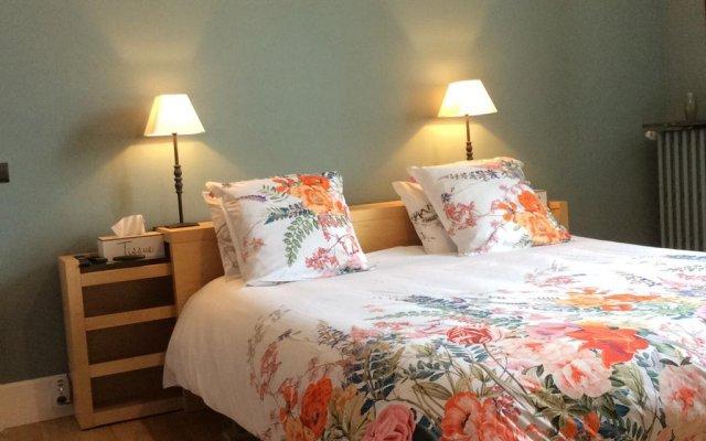 Отель La Lambertine Сомюр комната для гостей