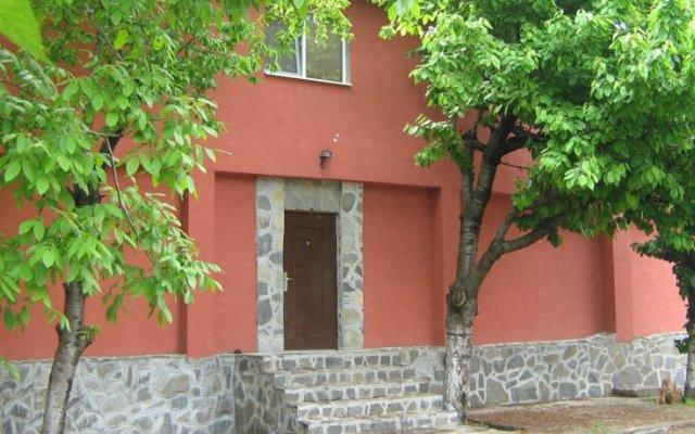 Hostel Brestnik