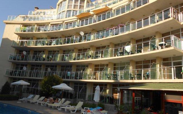 Апартаменты Tomi Family Apartments Солнечный берег вид на фасад