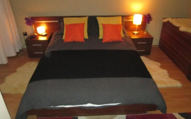 Апартаменты Two-bedroom Apartment In Fortuna Банско комната для гостей