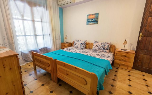 Отель Christeluda Ситония комната для гостей