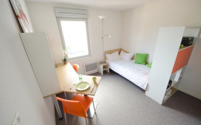 Отель Apparteo Lyon 7 Gerland Франция, Лион - отзывы, цены и фото номеров - забронировать отель Apparteo Lyon 7 Gerland онлайн комната для гостей