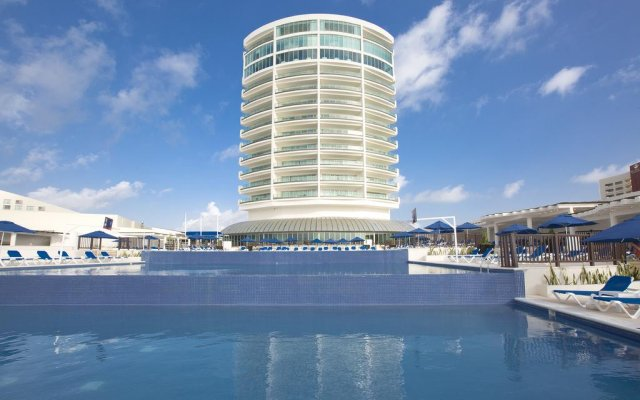 Отель Seadust Cancun Family Resort вид на фасад
