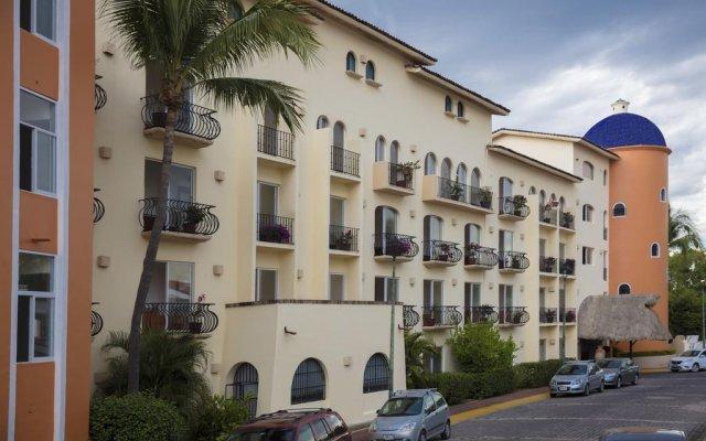 Flamingo Vallarta Hotel & Marina парковка