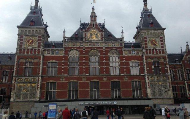 Отель Budget Hotel Neutraal Нидерланды, Амстердам - 3 отзыва об отеле, цены и фото номеров - забронировать отель Budget Hotel Neutraal онлайн вид на фасад