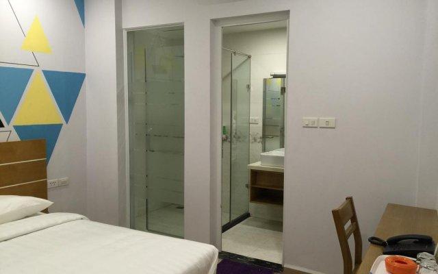 Kelly Hotel Hanoi комната для гостей