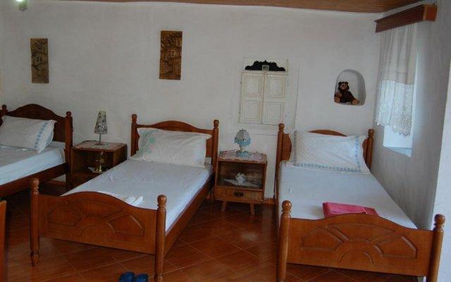 Отель Guesthouse Kadiu Berat Албания, Берат - отзывы, цены и фото номеров - забронировать отель Guesthouse Kadiu Berat онлайн комната для гостей