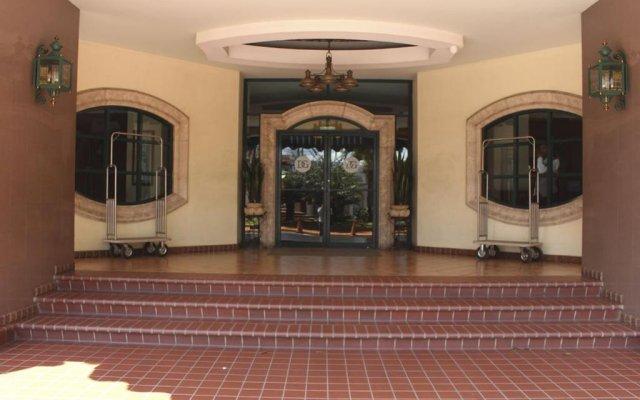 Hotel Plaza Del General вид на фасад