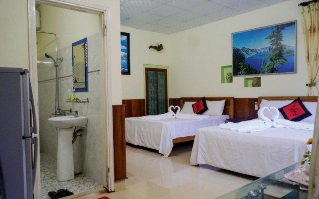 Отель Binh Yen Homestay (Peace Homestay) комната для гостей