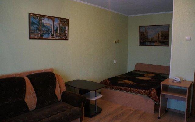 Апартаменты Apartment on Bagayeva Street комната для гостей