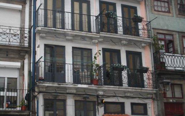 Отель Be In Oporto вид на фасад