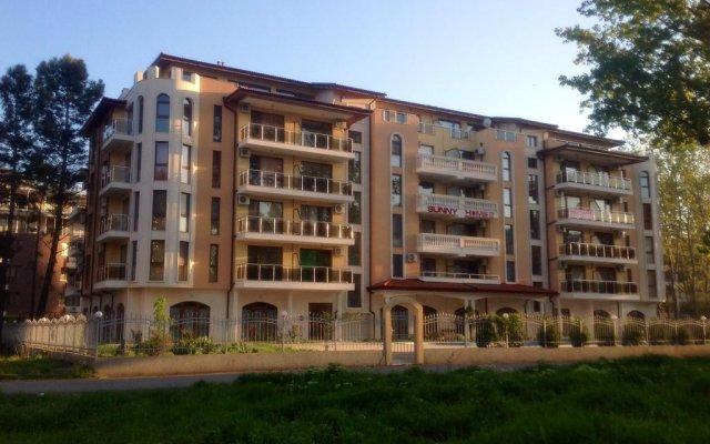 Отель Sunny Home II Болгария, Солнечный берег - отзывы, цены и фото номеров - забронировать отель Sunny Home II онлайн вид на фасад