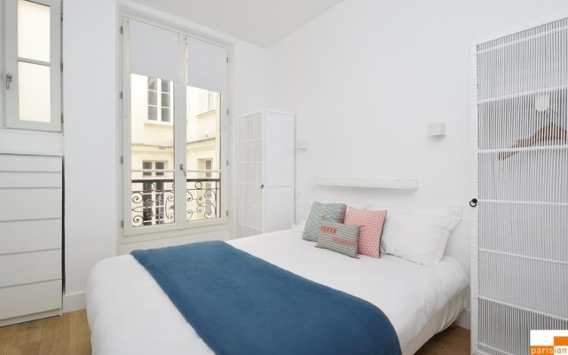 Отель Parisian Home - Appartements Montorgueil Apartment Франция, Париж - отзывы, цены и фото номеров - забронировать отель Parisian Home - Appartements Montorgueil Apartment онлайн комната для гостей