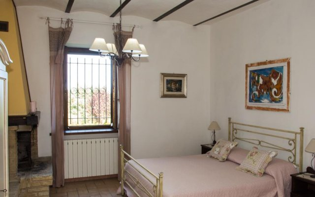Отель Antico Casale Fossacieca Чивитанова-Марке комната для гостей