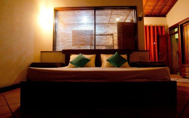 Отель Aaron Beach Villa комната для гостей