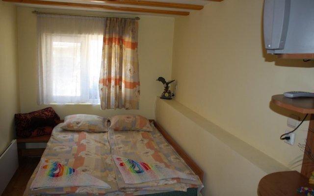 Отель Villa Petleto Болгария, Чепеларе - отзывы, цены и фото номеров - забронировать отель Villa Petleto онлайн комната для гостей