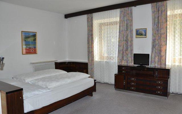 Отель Zum Weissen Roessl Сарентино комната для гостей