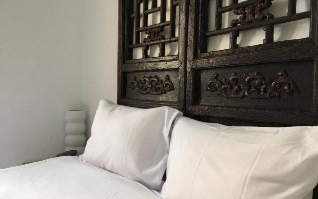 Отель A Toca Do Polvo B&B Португалия, Лиссабон - отзывы, цены и фото номеров - забронировать отель A Toca Do Polvo B&B онлайн комната для гостей