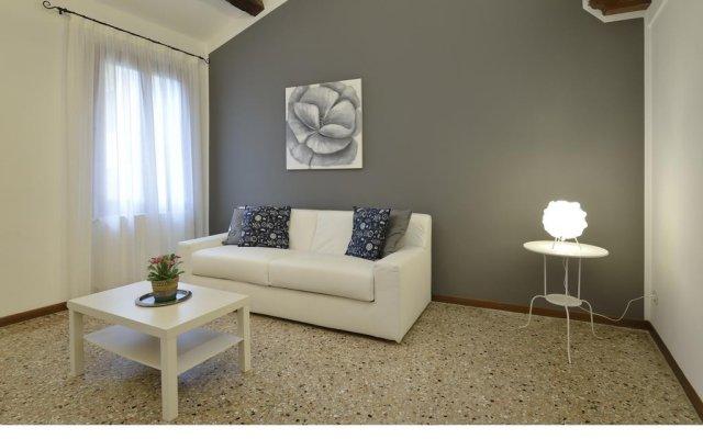 Отель Madame V Apartments Италия, Венеция - отзывы, цены и фото номеров - забронировать отель Madame V Apartments онлайн комната для гостей