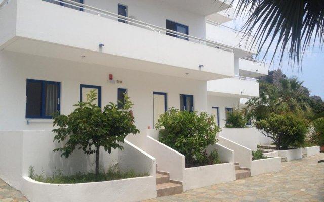 Palm Bay Hotel Studios вид на фасад