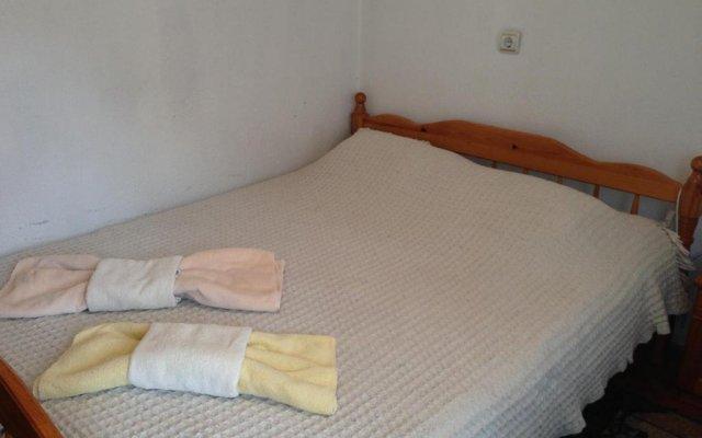 Отель Zgurovskata Guest House Чепеларе комната для гостей