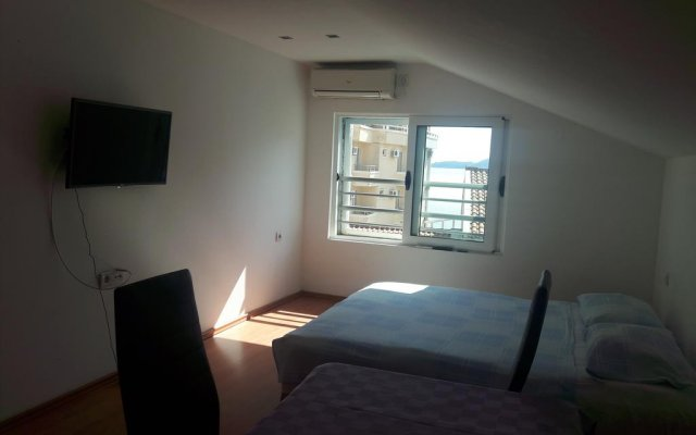Отель Guesthouse Morris Rafailovici комната для гостей