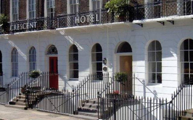 Crescent Hotel вид на фасад
