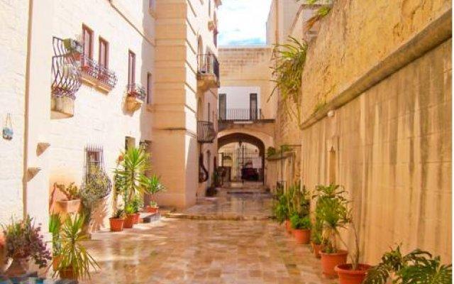 Отель Holiday Apartments Malta - St. Julians Мальта, Сан Джулианс - отзывы, цены и фото номеров - забронировать отель Holiday Apartments Malta - St. Julians онлайн