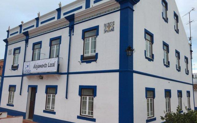Отель Alojamento O Tordo вид на фасад
