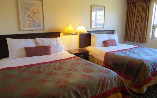 Отель Ramada Limited Calgary Northwest Канада, Калгари - отзывы, цены и фото номеров - забронировать отель Ramada Limited Calgary Northwest онлайн комната для гостей