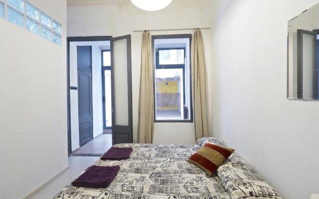 Отель Parallel-Patio Барселона комната для гостей