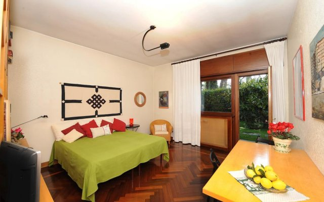 Отель Cuore dell'EUR B&B комната для гостей