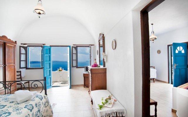 Nikos Villas Hotel in Oia Santorini комната для гостей
