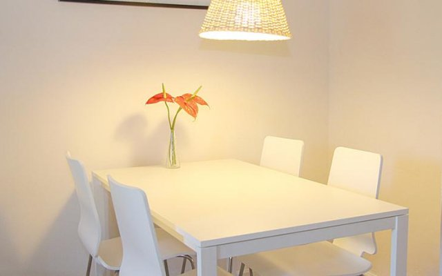 Апартаменты Rent4Days Ramblas Apartments Барселона комната для гостей