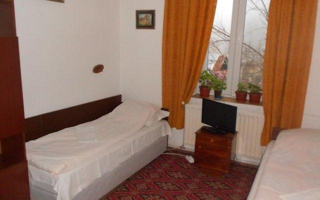 Отель Varbanovi Guest House Боженци комната для гостей