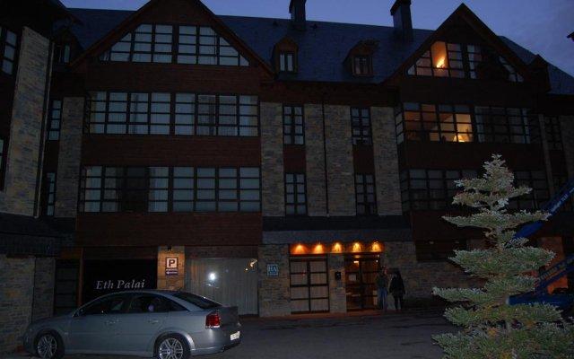 Отель Apartamento Garona вид на фасад