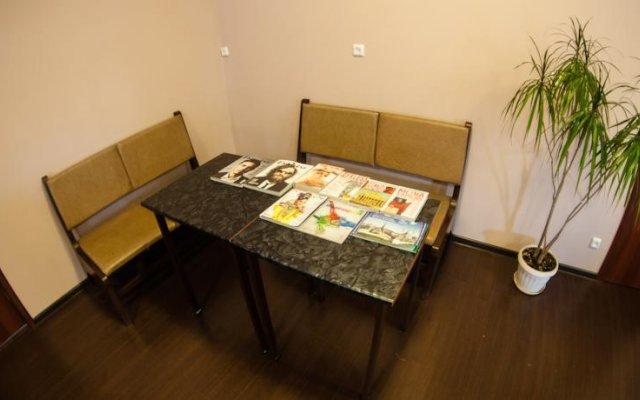 Отель Жилые помещения Commune Казань комната для гостей