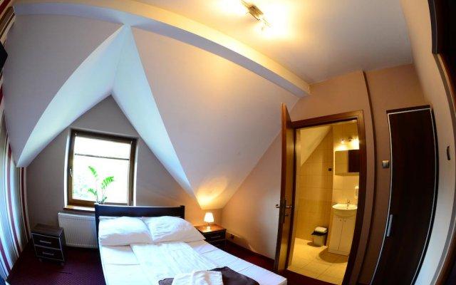 Отель Route One - Restauracja & Pokoje Hotelowe комната для гостей