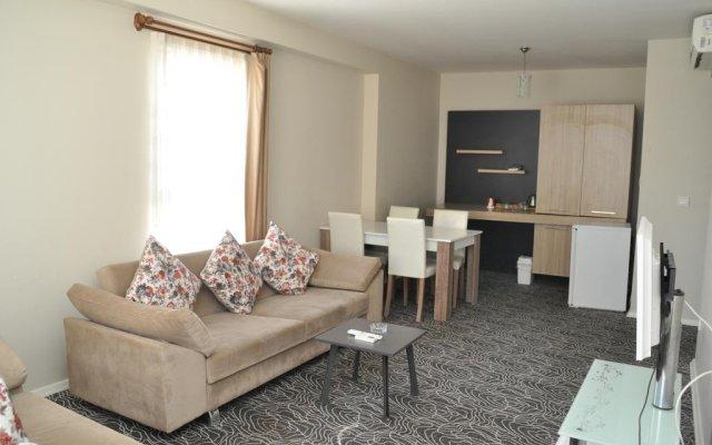 Отель Fix Class Konaklama Ozyurtlar Residance комната для гостей