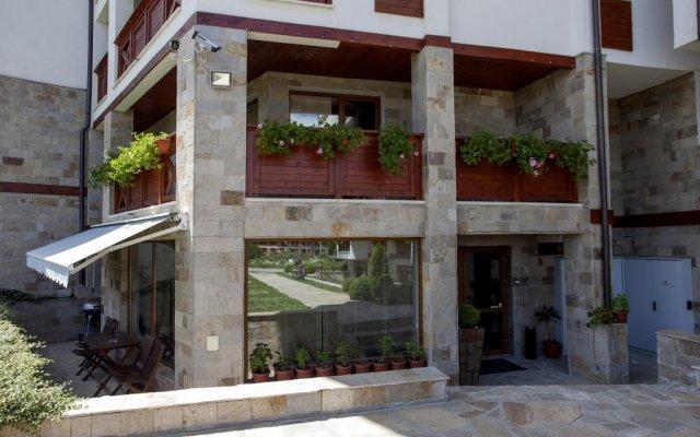 Отель Pirin Lodge Apt 37 вид на фасад