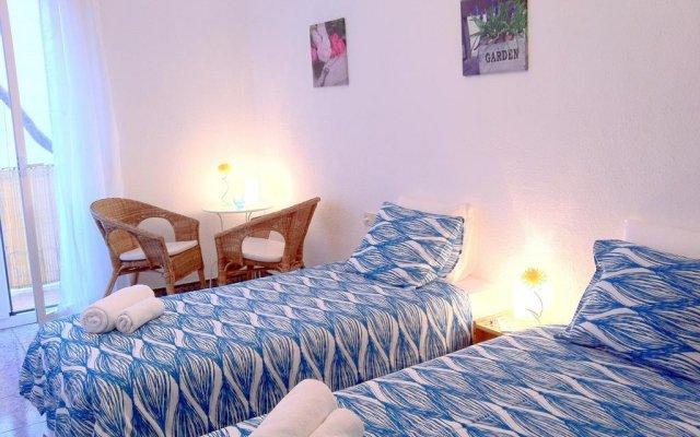 Отель Enzo B&B Montjuic комната для гостей