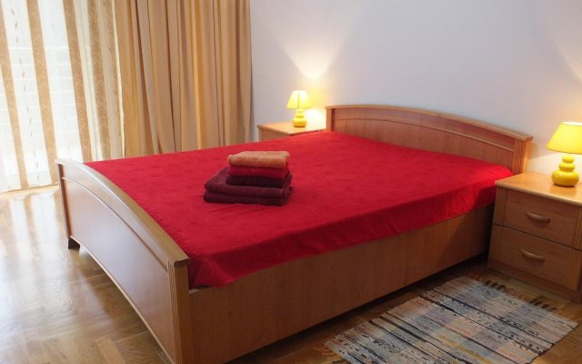 Апартаменты Monterus Bečići Apartments комната для гостей