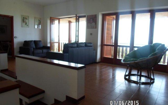 """Отель Villa Eva sul Mare area """"A"""" Поццалло комната для гостей"""
