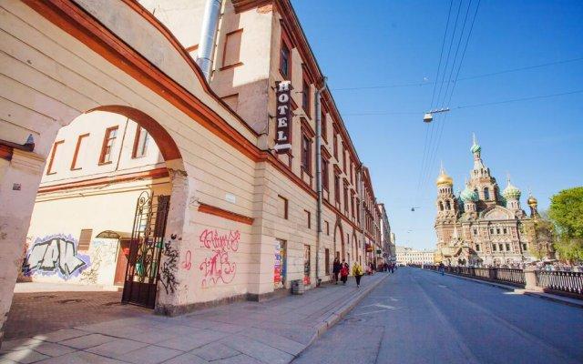 Гостиница The Roof в Санкт-Петербурге отзывы, цены и фото номеров - забронировать гостиницу The Roof онлайн Санкт-Петербург вид на фасад