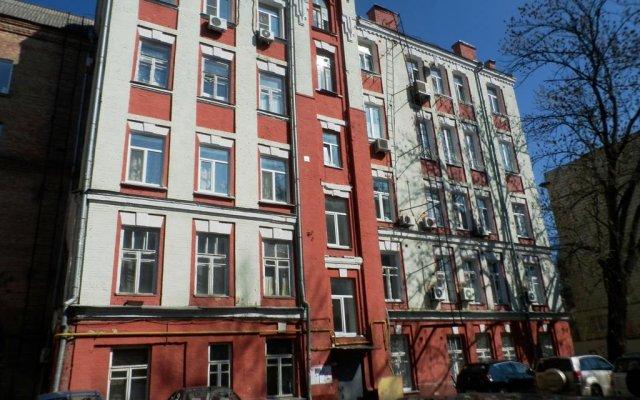 Отель Yourhostel Kiev Киев вид на фасад
