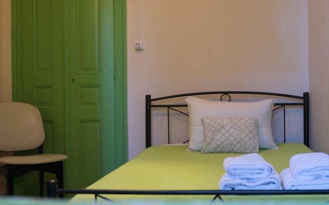 Отель Antisthenes Guesthouse Афины комната для гостей
