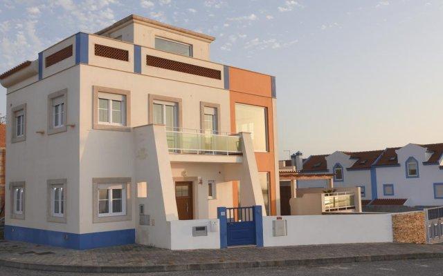 Отель Villa Baleal Beach вид на фасад